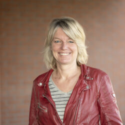 Yvette Moerings